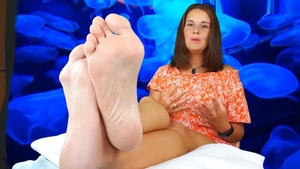 Goddess feet fetish in HD