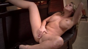 Thick pornstar Charisma Cappelli loves raw fucking in HD