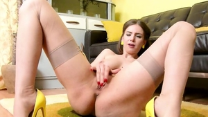Big butt Stella Cox digs hard sex
