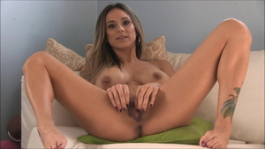 Fingering in company with american girl Nadia Styles