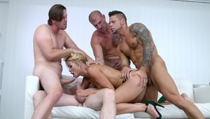Loves fucked by big cock Choky Ice
