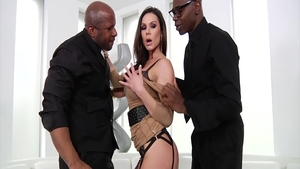 MILF Kendra Lust hard sucking dick