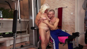 Young granny cheating cunnilingus in the gym in HD