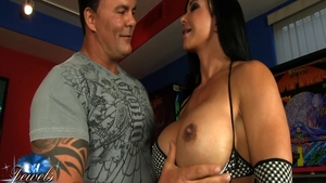 Big ass american pornstar Jewels Jade receives good fuck