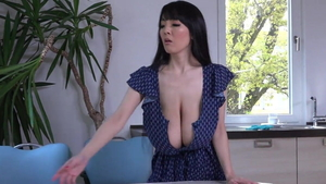 Juicy babe Hitomi Tanaka softcore teasing in shower HD
