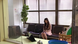 Cute japanese doctor Maria Ono takes a big dildo in clinic