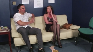 Stepmom Holly Kiss agrees to facial in tight stockings in HD