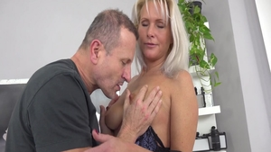 Busty Kathy Anderson babe sucking dick video