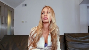 Japanese Nicole Aniston pussy eating at the party