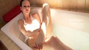 Solo perfect and wild babe Tina Kay teasing in the bath