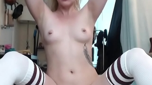 Natural Chloe Sparkles deepthroat moaning