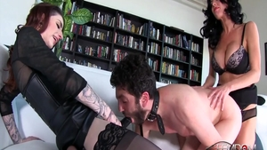 Poor chick Veronica Avluv has a passion for nailing