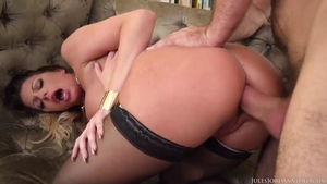 MILF Brooklyn Chase loves plowing hard