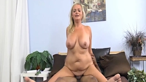 Hard ramming escorted by big butt housewife Lexi Lash