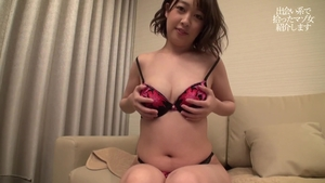 Shaved japanese clerk finds irresistible raw sex in HD