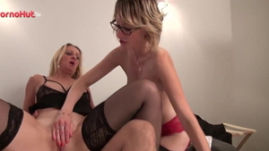 French blonde babe Louise Du Lac cum swallow in HD