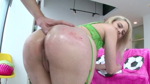 Hardcore pussy sex in the company of Lisey Sweet