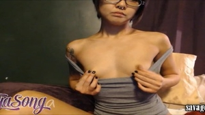 Petite babe squirting