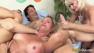 American swinger feels in need of orgy HD