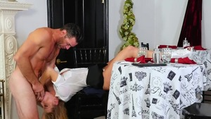 Blonde Britney Amber goes for sucking dick