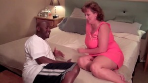Chubby cougar wishes the best sex