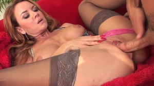Hard sex with booty cougar Janet Mason