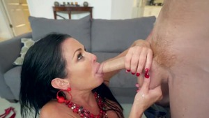 Big boobs mature Veronica Avluv raw flashing in the bed