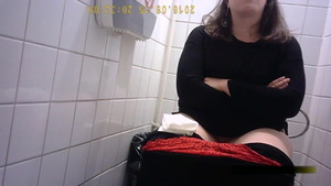Teen rides a hard dick in toilet